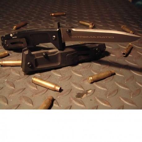 Couteau de combat Extrema Ratio Nemesis sur www.equipements-militaire.com