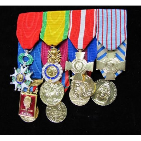 Kit porte-médailles militaires Martineau sur www.equipements-militaire.com