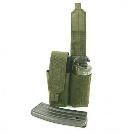 Double porte-grenade fumigène / chargeur FAMAS Arktis Double Smoke Grenade W915 sur www.equipements-militaire.com