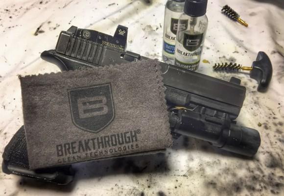 Présentation Kit de nettoyage pour arme de poing Breakthrough® Clean